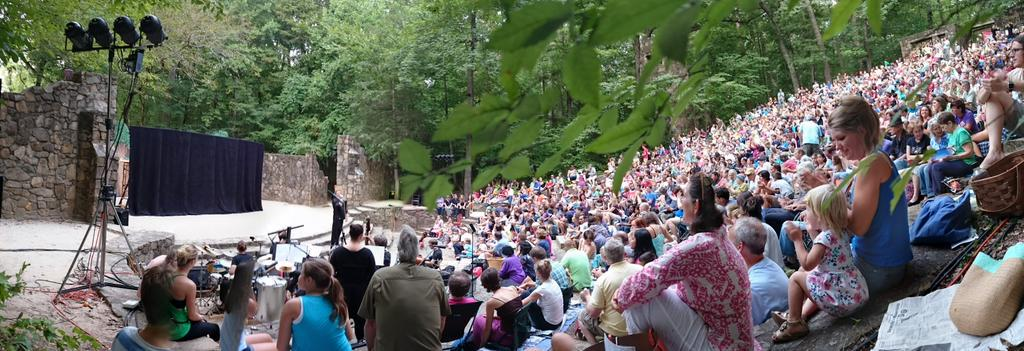 Forest Theatre crowd